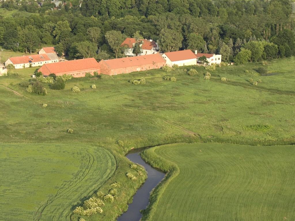 dwór historyczny zabytkowy pałacyk gospodarstwo Dworek na Mazurach herrenhaus verkauf